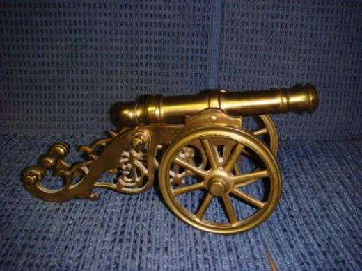 Photo of the cannon Henry McCartney made